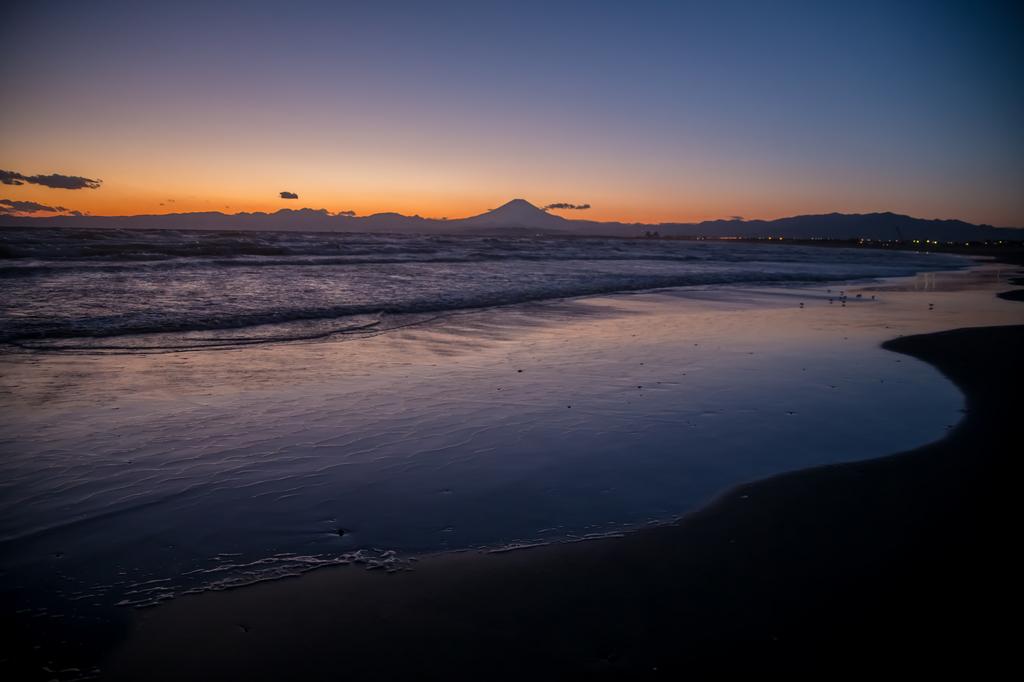 majichour集2018-02-12 片瀬海岸よりマジックアワーの富士山2.jpg